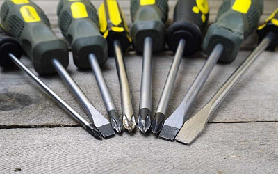 Types of screwdrivers and slots